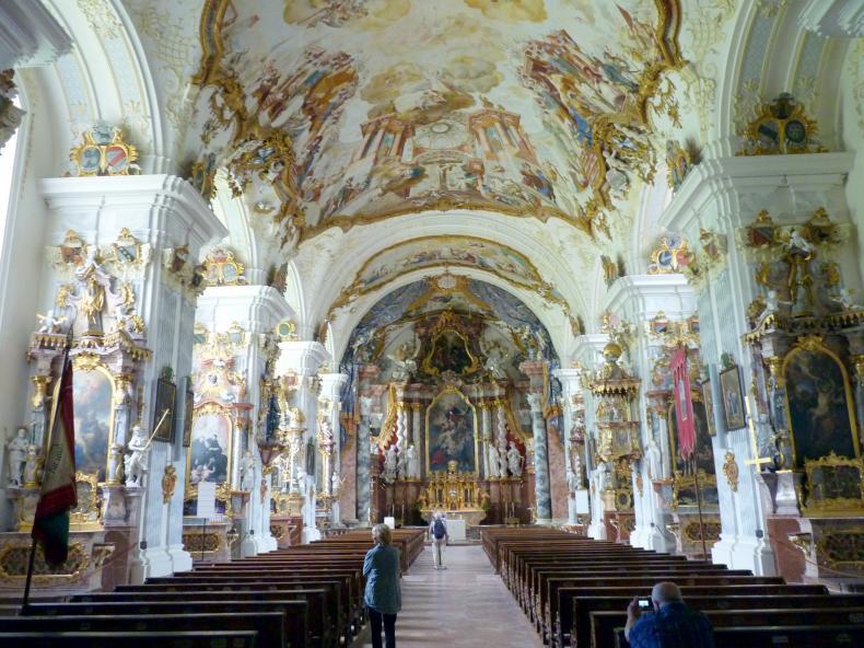 Raitenhaslach, ehem. Zisterzienserabtei, ehem. Abtei-, jetzt Pfarrkirche St. Georg u. Pankratius, Bild 2/2