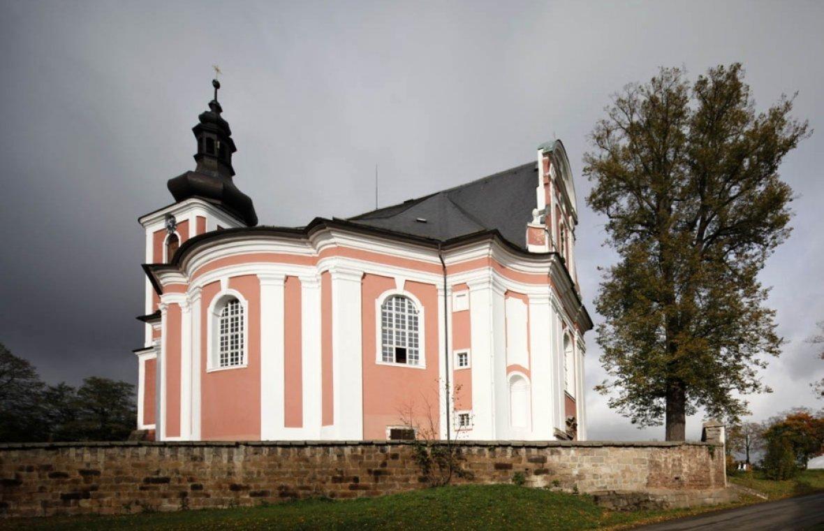 Barzdorf (Božanov), Kirche St. Maria Magdalena, Bild 1/7