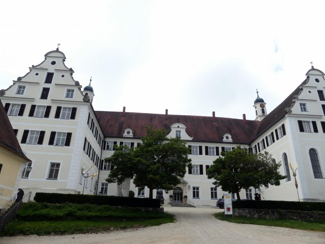Mochental (Ehingen ), ehem. Propstei, heute Schloss, Bild 1/2