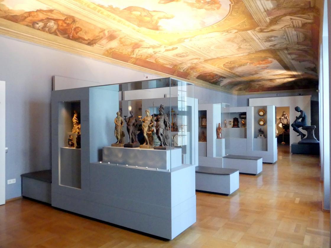 Augsburg, Maximilian Museum, Sammlung Röhrer, Bild 1/2