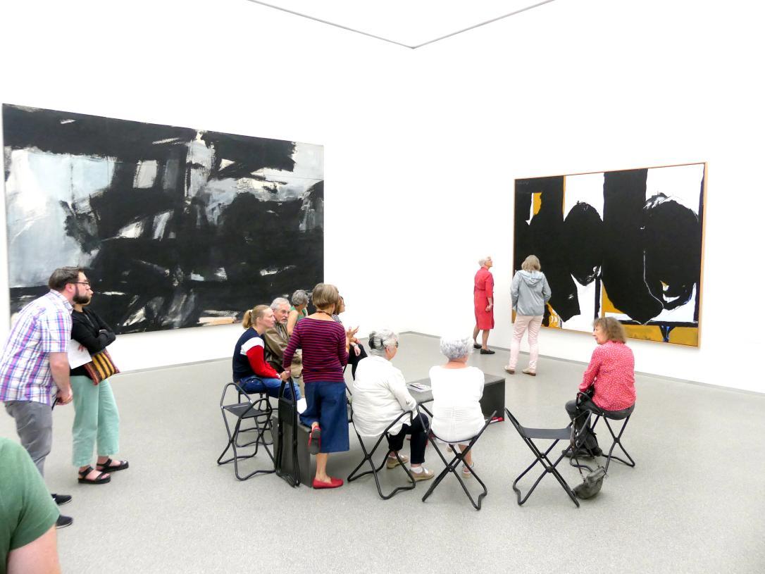 München, Pinakothek der Moderne, Saal 32, Bild 1/2