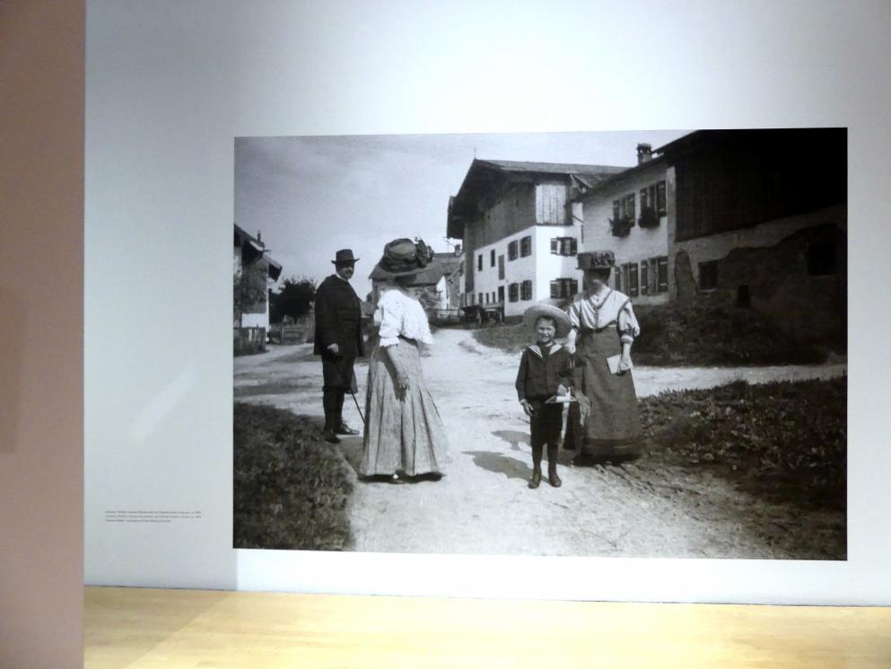 """München, Lenbachhaus, Kunstbau, Ausstellung """"Lebensmenschen"""" vom 22.10.2019-16.2.2020, München, Murnau, Oberstdorf, 1908-1913, Bild 9/17"""