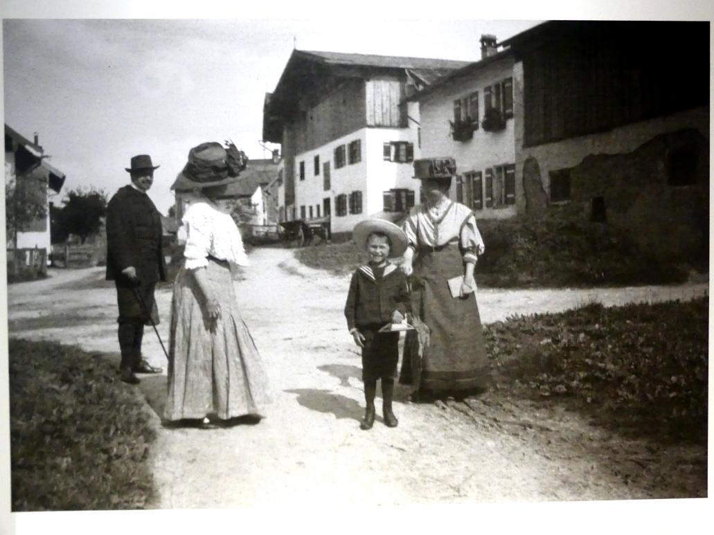 """München, Lenbachhaus, Kunstbau, Ausstellung """"Lebensmenschen"""" vom 22.10.2019-16.2.2020, München, Murnau, Oberstdorf, 1908-1913, Bild 11/17"""