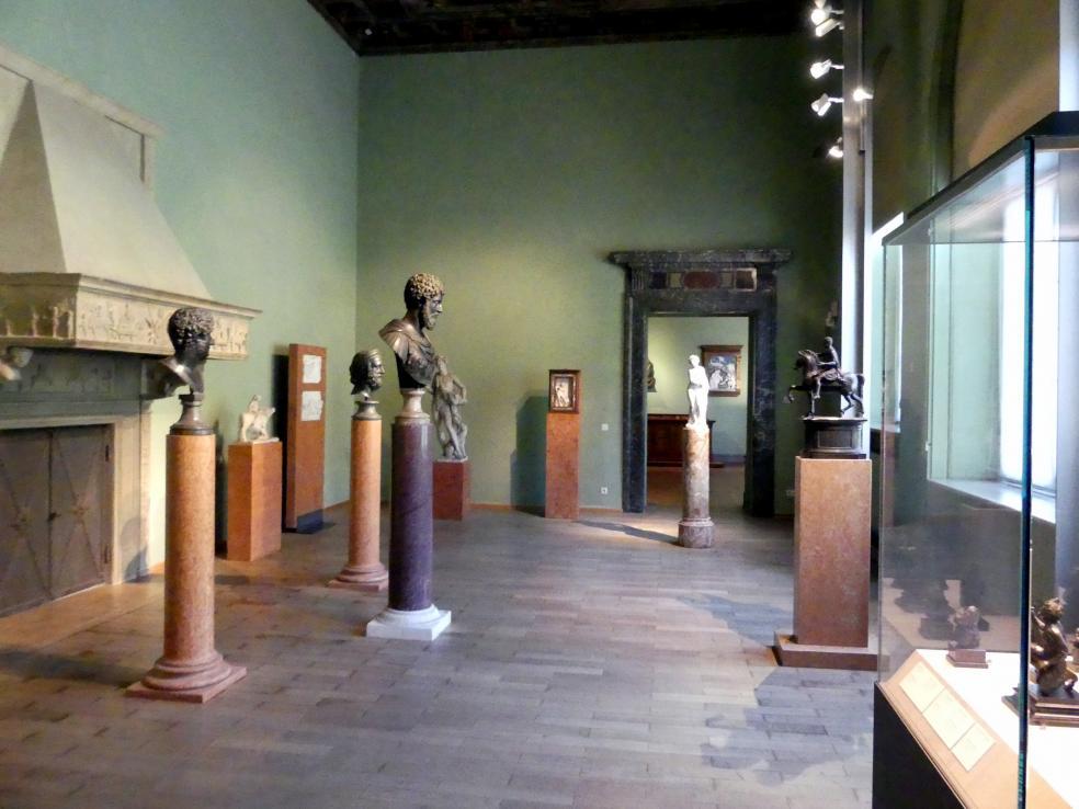 München, Bayerisches Nationalmuseum, Saal 23, Bild 2/3
