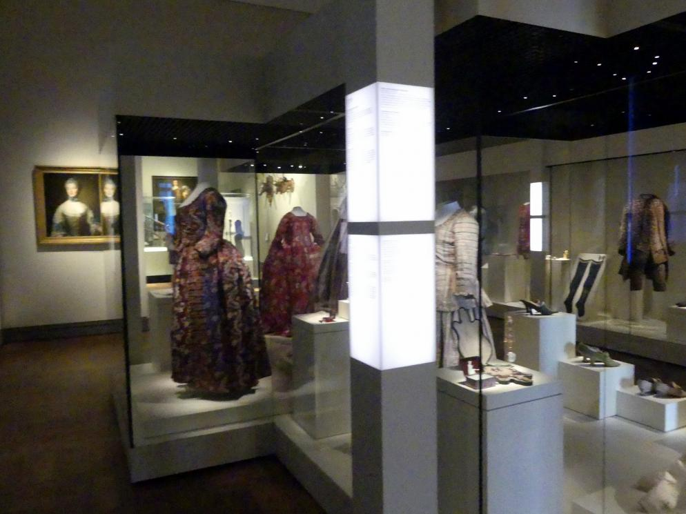 München, Bayerisches Nationalmuseum, Obergeschoss, Saal 87, Bild 3/4