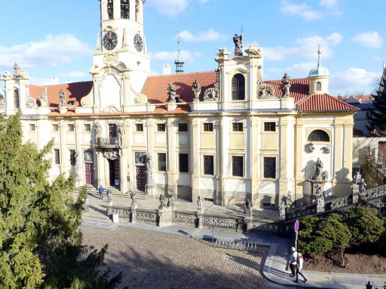 Christoph Dientzenhofer: Neue Hauptfassade an der Loreto-Anlage, 1721