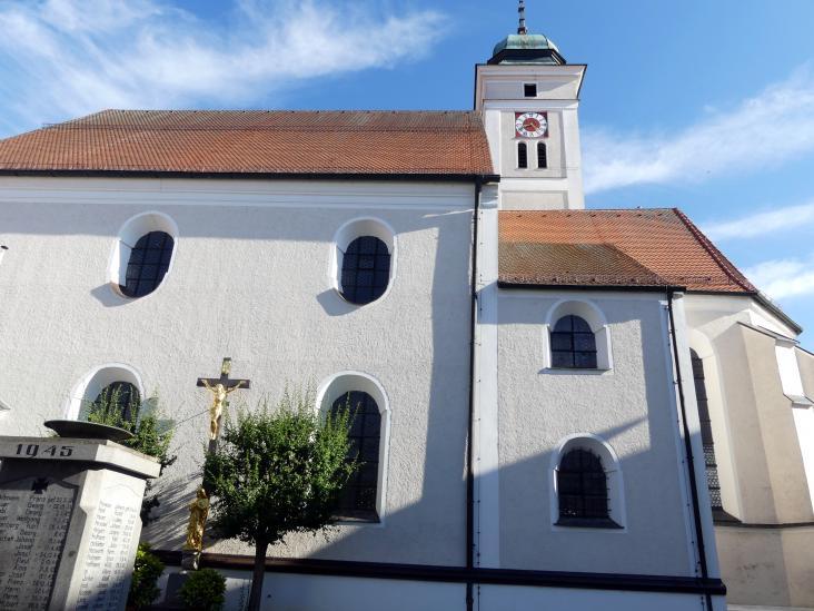 Johann Schmuzer: Bau der Pfarrkirche Mariä Himmelfahrt (gotischer Chor bleibt erhalten), 1681