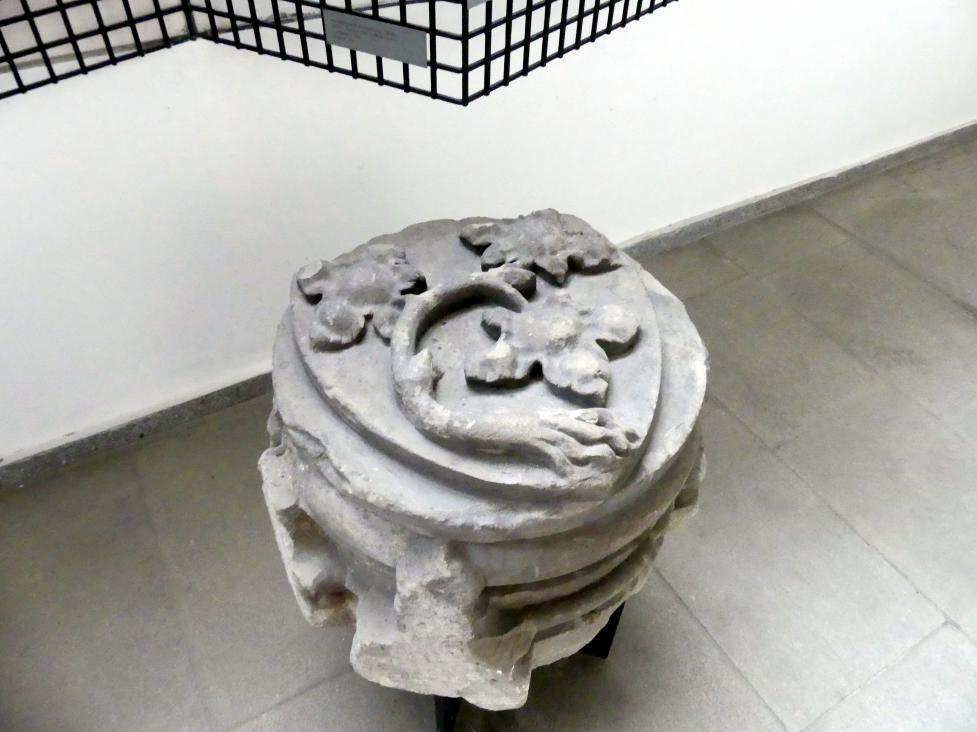 Gewölbe-Schlussstein mit dem Zeichen von Johann IV. von Dražice (Rebstock mit Wurzeln und drei Blättern), 3. Viertel 14. Jhd.