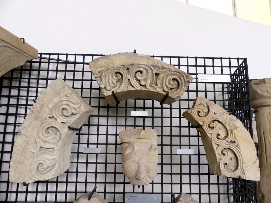 Teile einer Archivolte (Rundbogen) eines Portals, 1180 - 1200