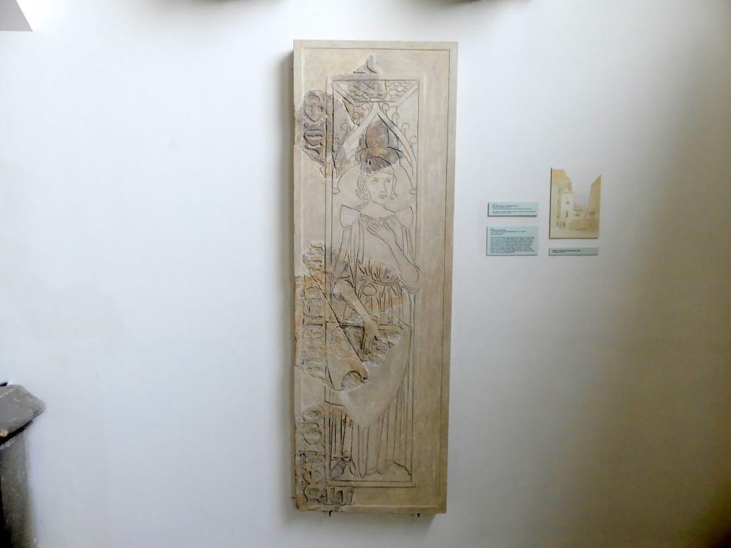 Grabmal eines Ritters aus Říčany von einem unbestimmten Friedhof in der Prager Altstadt (bei St. Jakob?), 2. Drittel 14. Jhd.