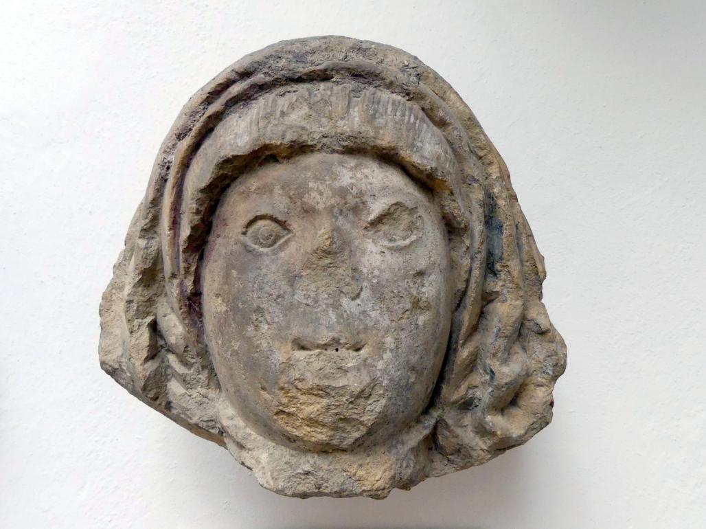 Frauenkopf eines Grabsteins, um 1500