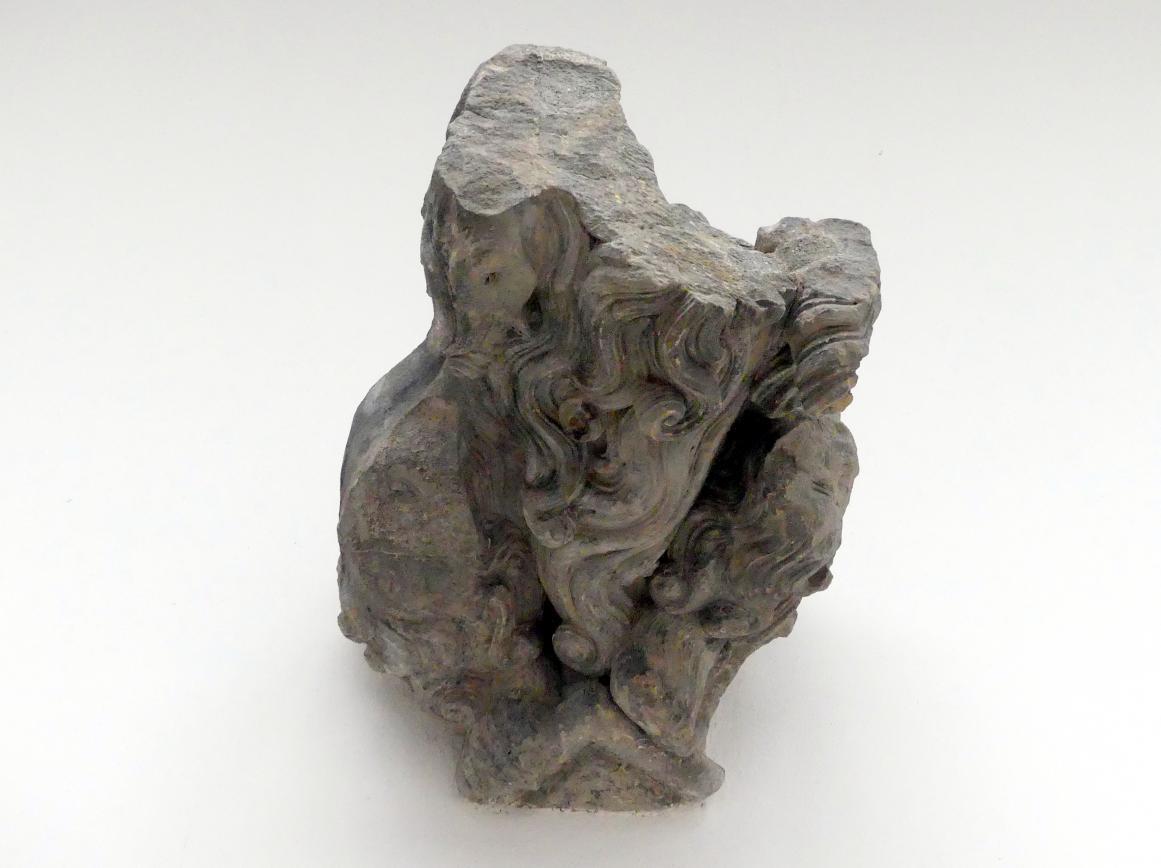 Fragment eines Wasserspeiers (Gargoyle), 2. Hälfte 14. Jhd.