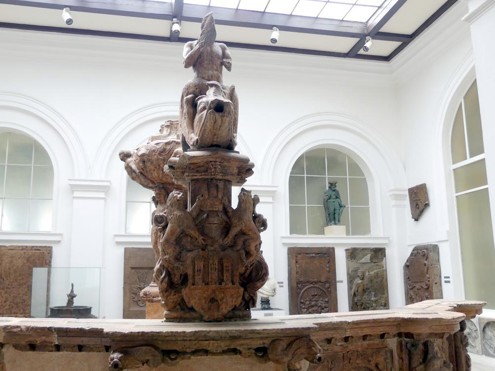 Teile des Krocin-Brunnens (gebaut vom Altstädter Bürgermeister Václav Krocín aus Drahobejle), 1591 - 1596