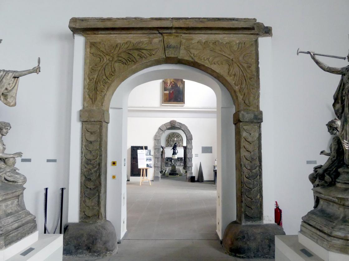 Portal, 1686