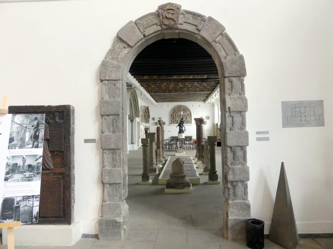 Portal, 1679