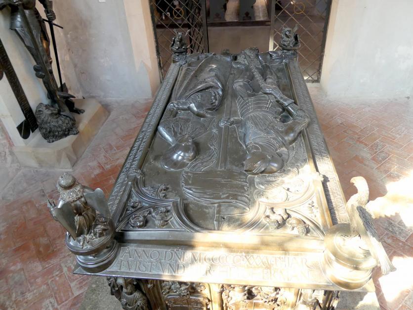 Hermann Vischer der Jüngere: Grabmal Elisabeth von Brandenburg (1474–1507) und Hermann VIII. von Henneberg (1470-1535), nach 1507, Bild 7/18
