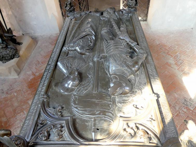 Hermann Vischer der Jüngere: Grabmal Elisabeth von Brandenburg (1474–1507) und Hermann VIII. von Henneberg (1470-1535), nach 1507, Bild 8/18