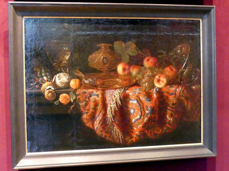 Jacques Hupin: Stillleben mit Teppich, Obst, Luxusgeschirr und Uhren, Mitte 17. Jhd.