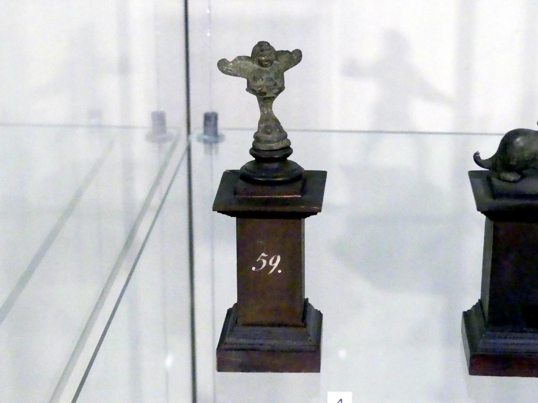 Fuß eines kleinen Bronzegefäßes: geflügelte Figur auf einer Klaue, Um 100 v. Chr. - 300 n. Chr.