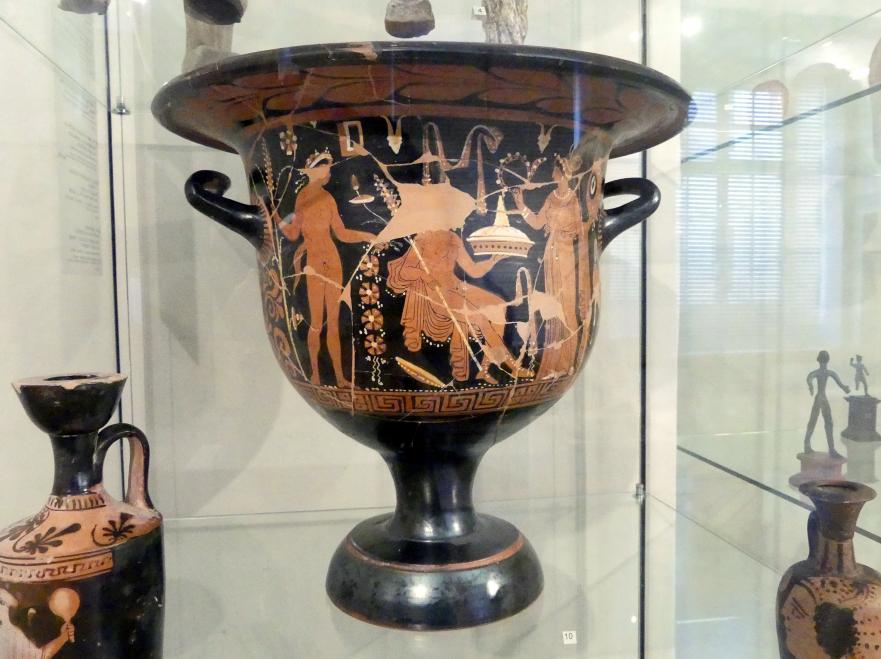 Rotfiguriger Glockenkrater: Hochzeitsszene und Drei Jugendliche mit Umhang, Nach 330 v. Chr.