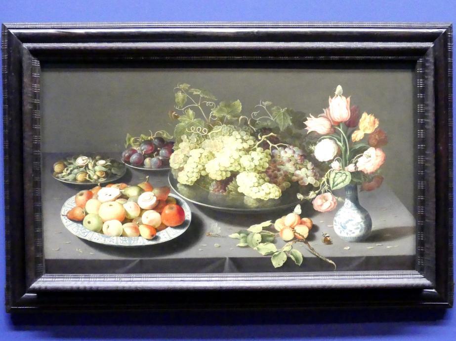 Osias Beert: Großes Stillleben mit Äpfeln, Trauben und einer Blumenvase, Um 1600 - 1620