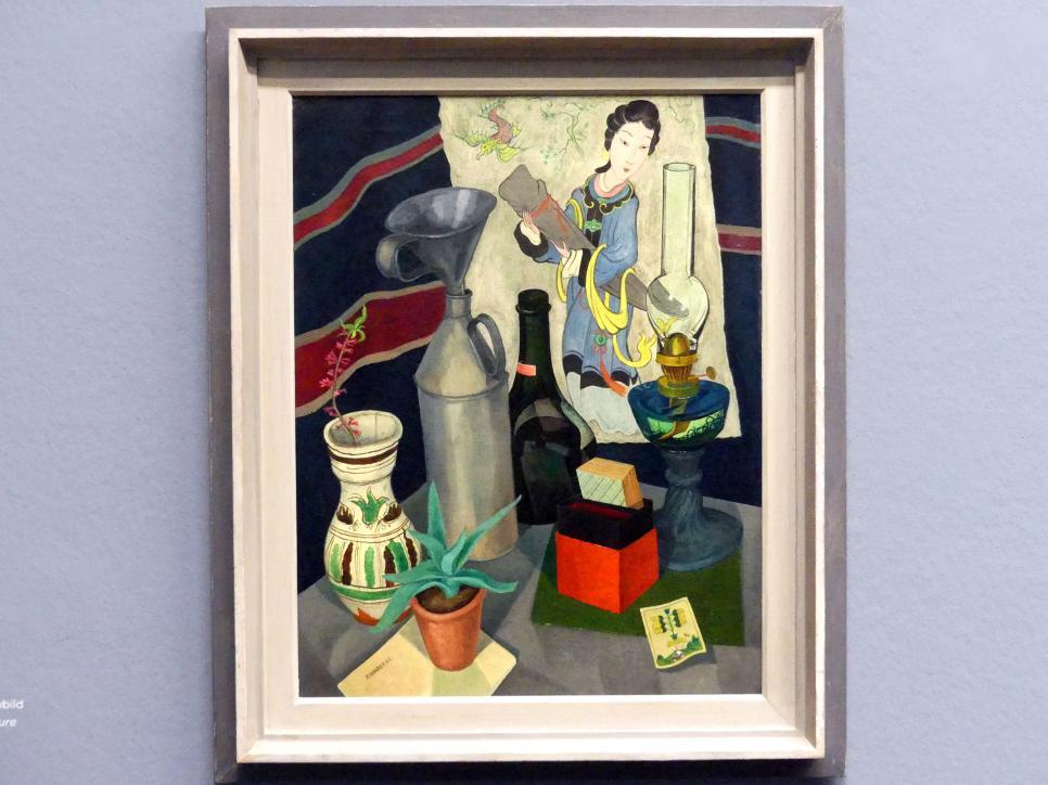 Rudolf Wacker: Stillleben mit Ölkanne, Topfpflanze und Chinesenbild, 1925