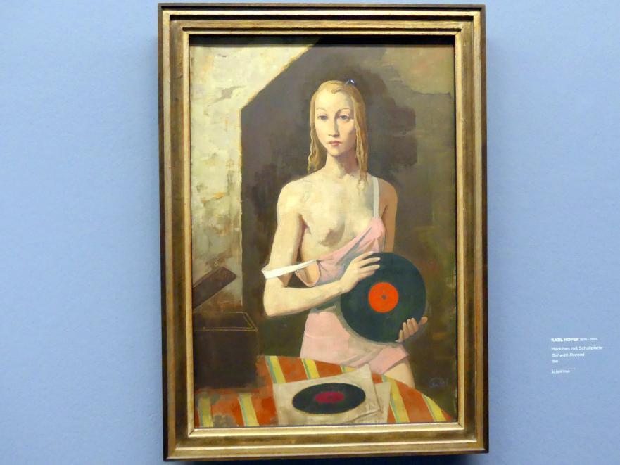 Karl Hofer (Carl Hofer): Mädchen mit Schallplatte, 1941