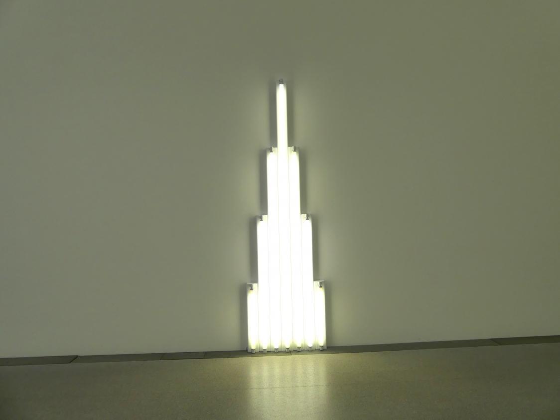 """Dan Flavin: """"monument"""" for V. Tatlin I, 1964"""