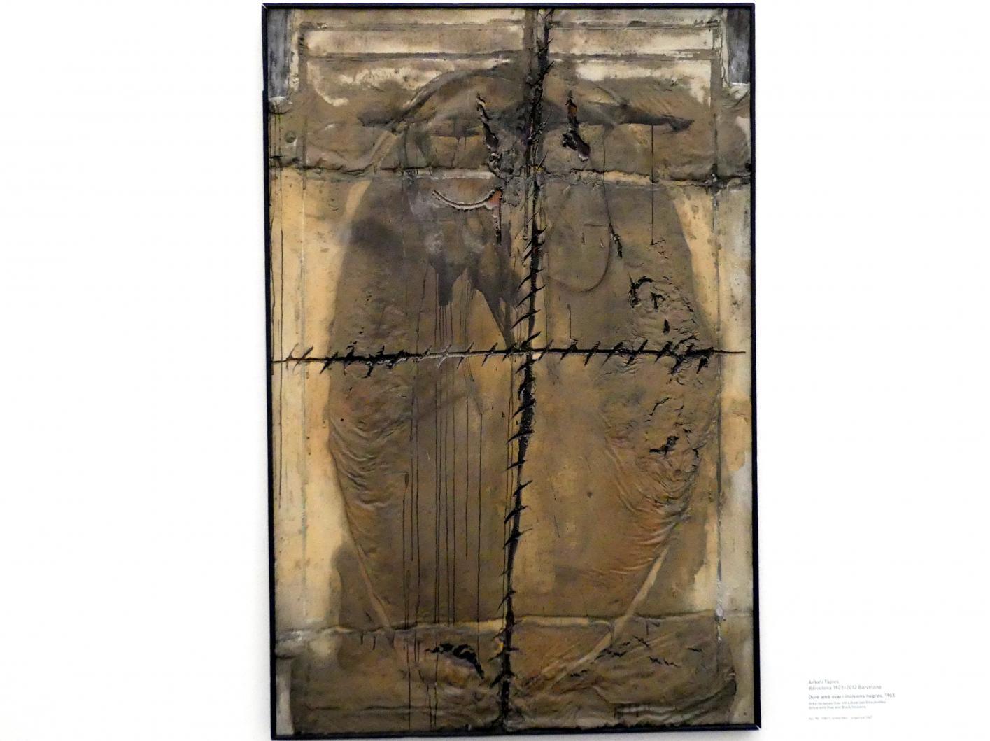 Antoni Tàpies: Ocre amb oval i incisions negres - Ockerfarbenes Oval mit schwarzen Einschnitten, 1965
