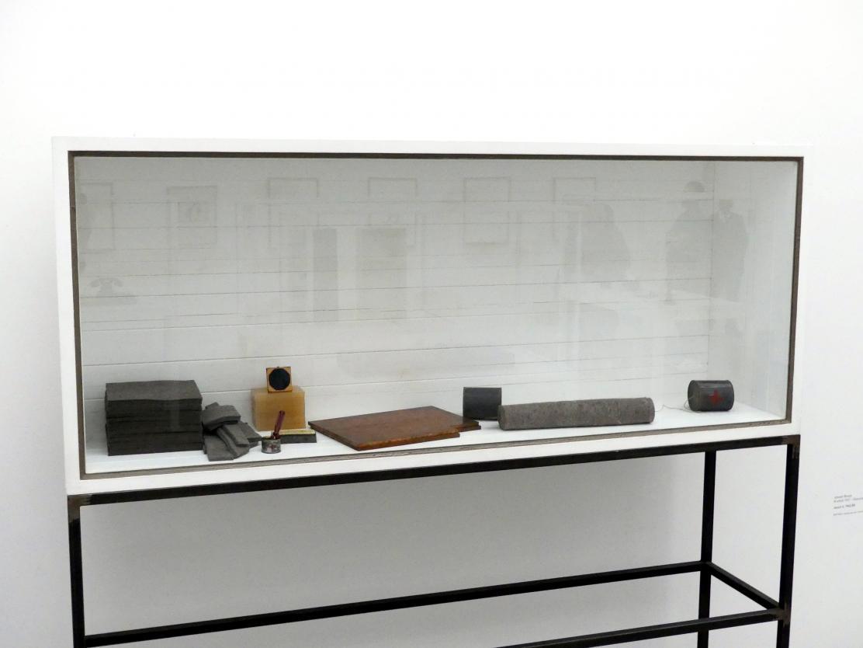 Joseph Beuys: o.T. (Vitrine), 1969 - 1985
