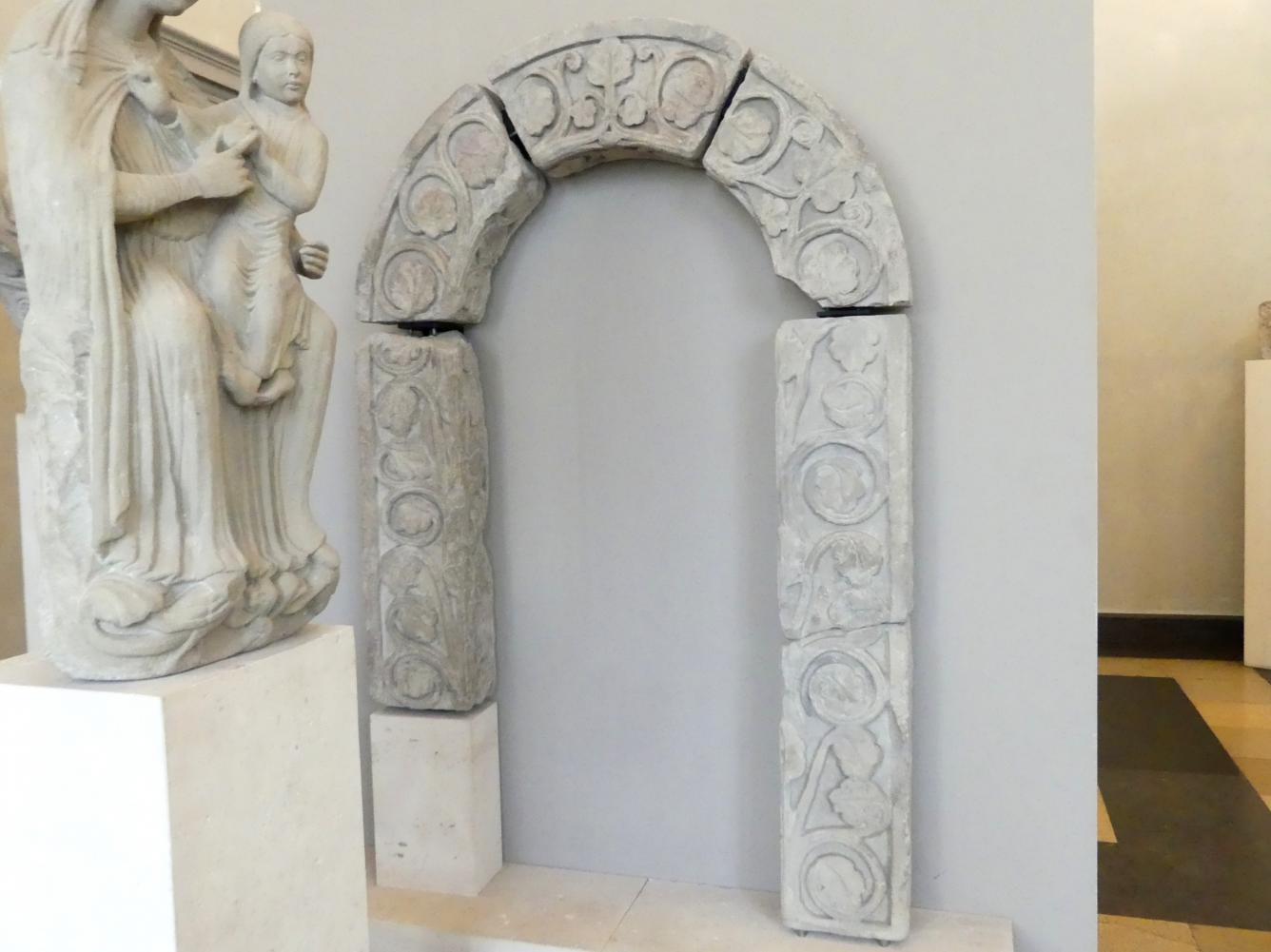 Rekonstruierter Bogen mit Ranken, Um 1250