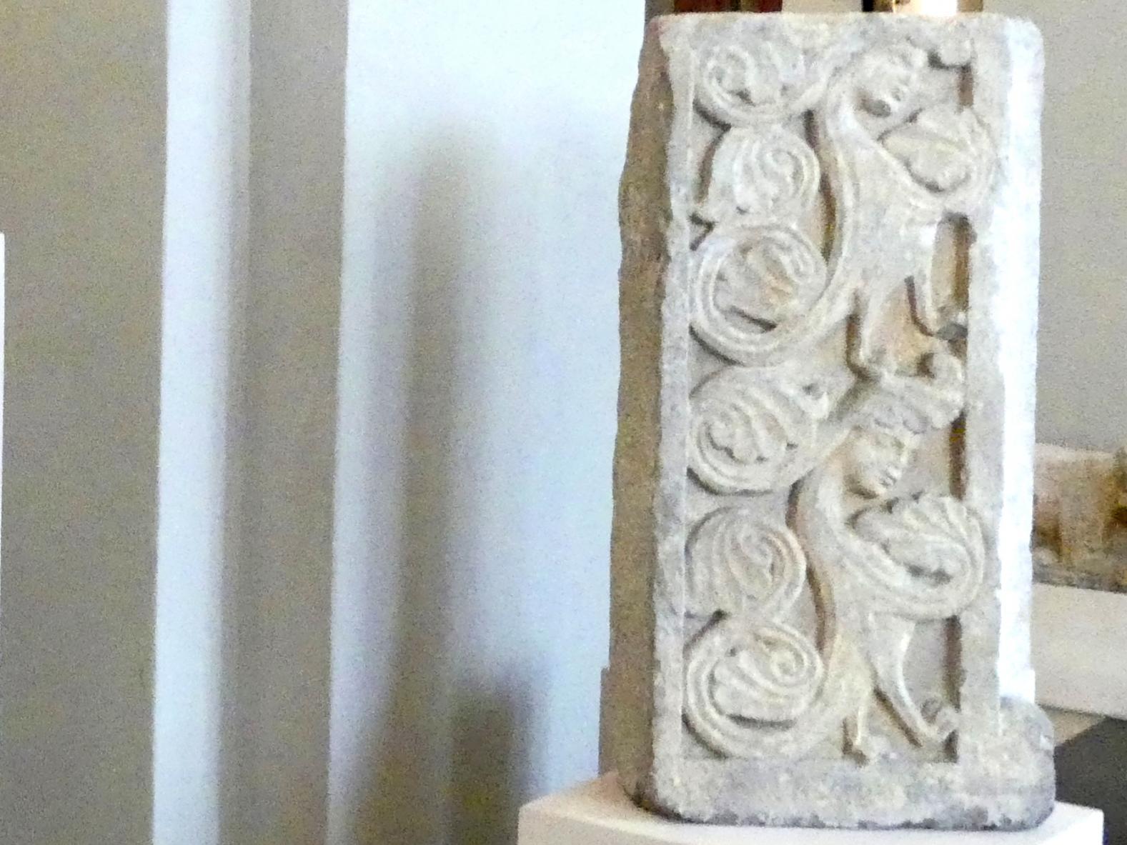 Zwei Fenster- oder Türrahmungen mit Ranken und Sirenen, Um 1250