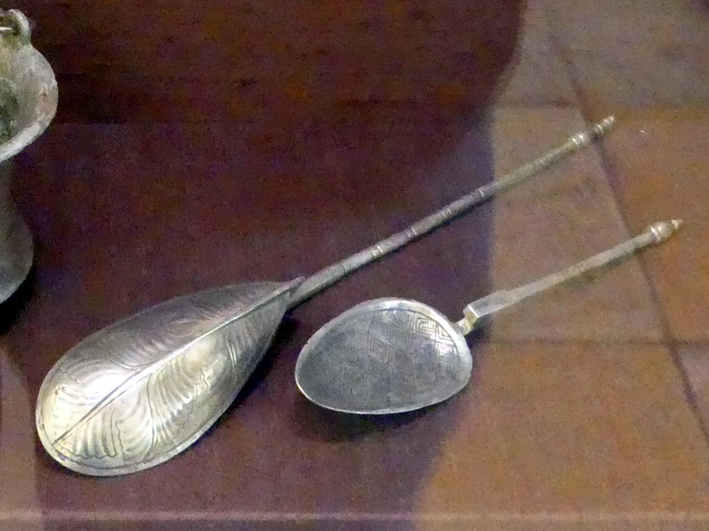 Zwei Silberlöffel, 500 - 700