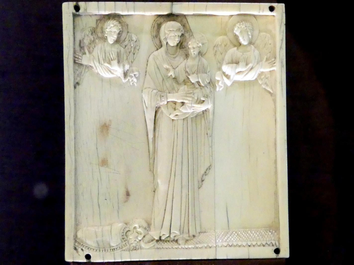 Stehende Gottesmutter, von Engeln verehrt, mit Stifter in Proskynese, Ende 10. Jhd.