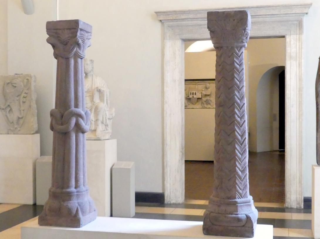 Zwei Säulen, Um 1250