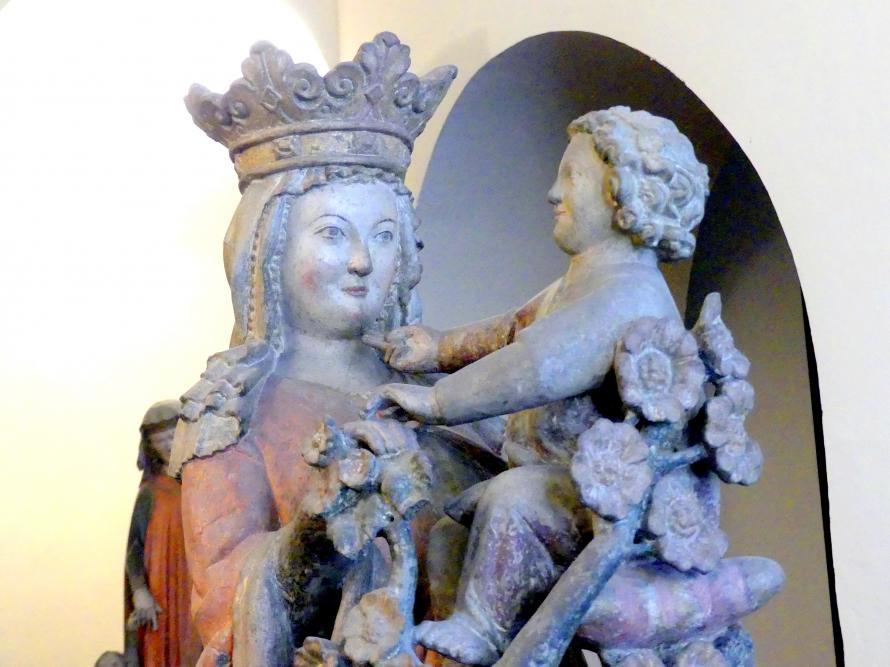 Muttergottes mit Jesuskind und Rosenstrauch, um 1300, Bild 3/5
