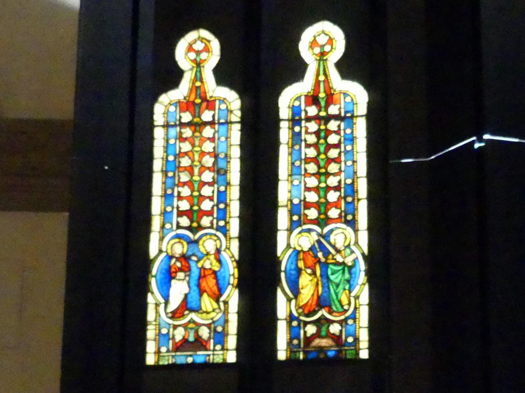 Zwei Ornamentscheiben mit Aposteln, 1. Viertel 14. Jhd.