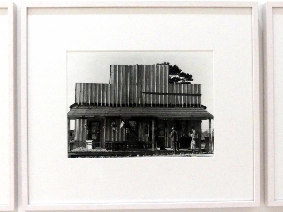Walker Evans: General store, Selma (Alabama), 1936