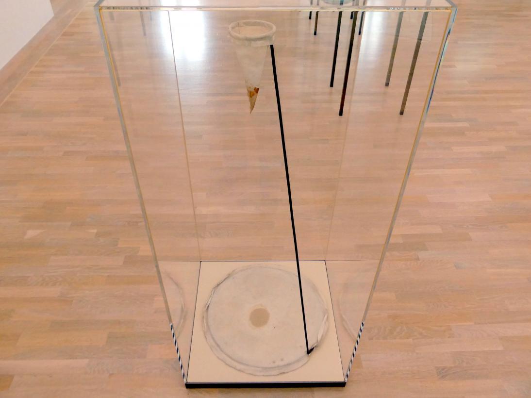 Joseph Beuys: Lavendelfilter, 1961