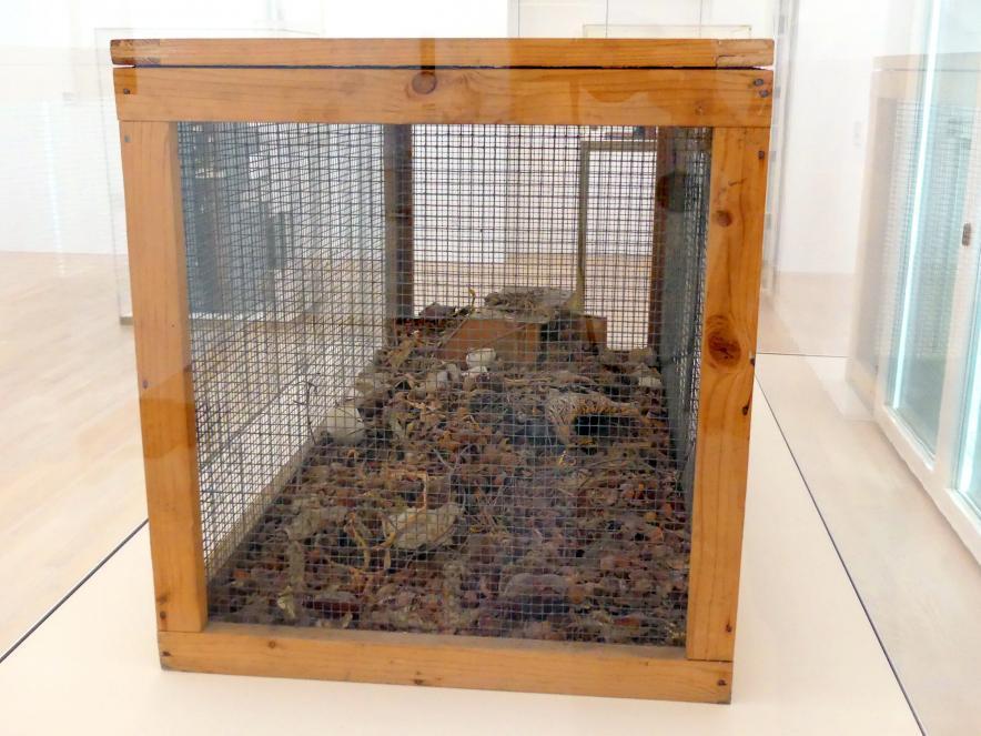 Joseph Beuys: Mäusestall, 1968 - 1970