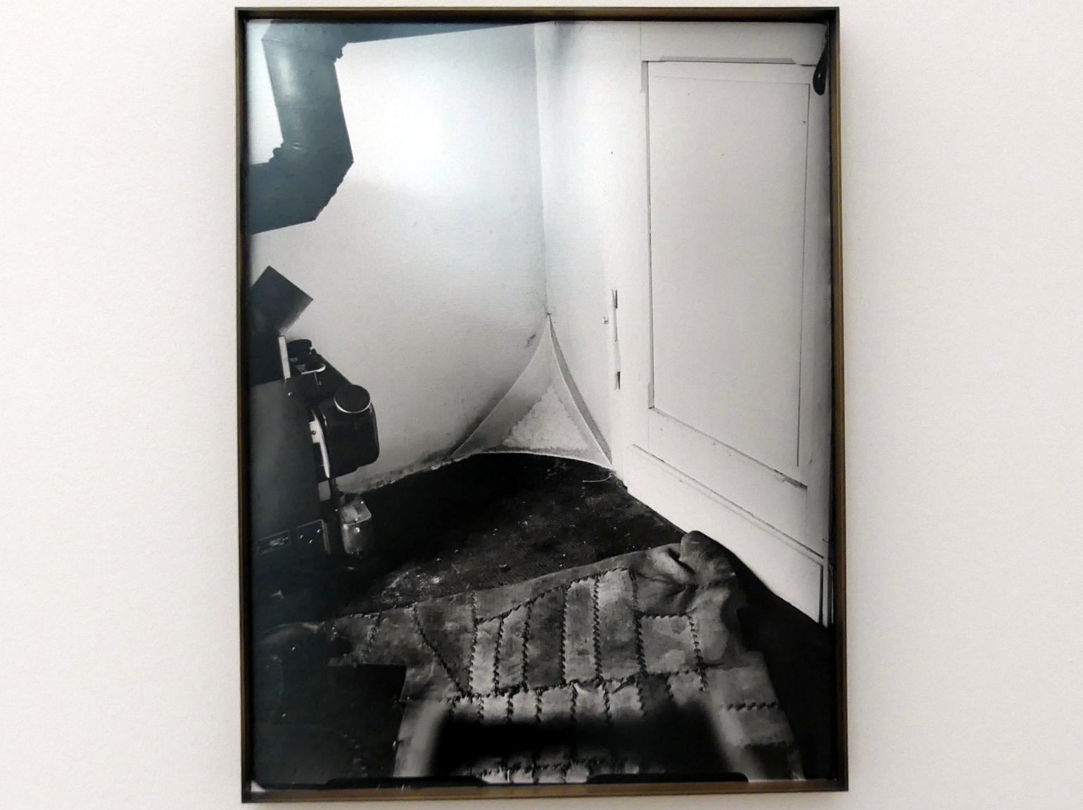 Joseph Beuys: Drei verlorene plastische Situationen: Fettecke mit Filter, 1963