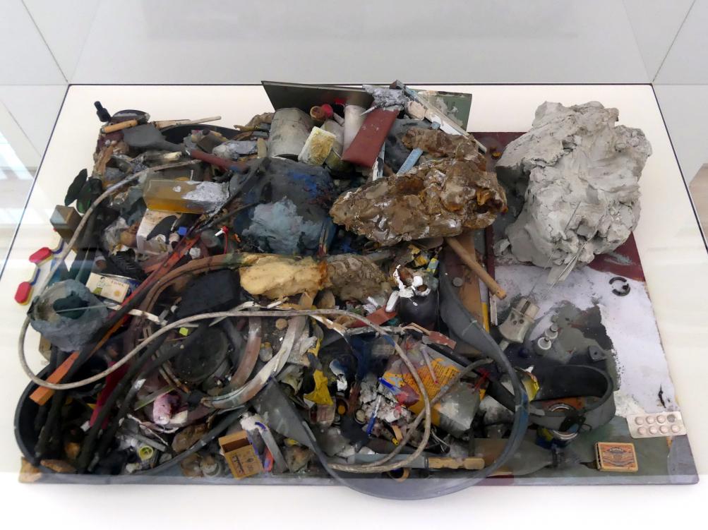 Joseph Beuys: Hasengrab, 1962 - 1967
