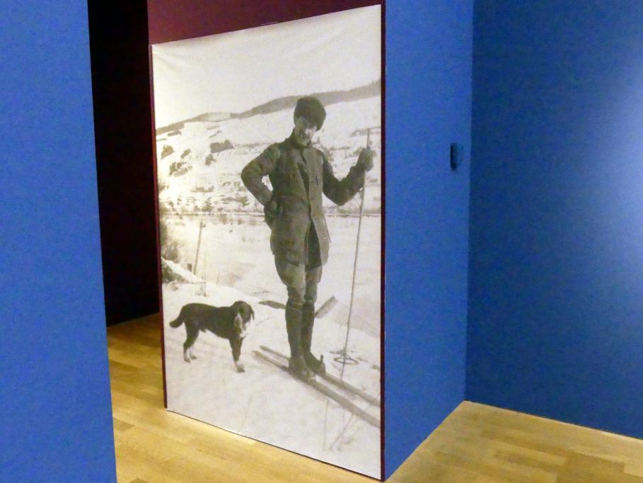 Clarence Gagnon und sein Hund Gypsy in Baie-Saint-Paul, 1919 - 1924