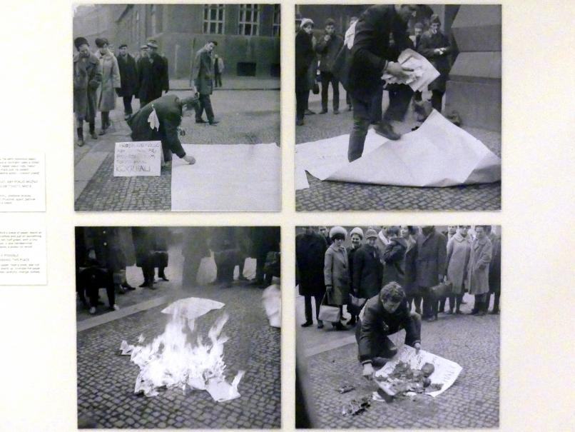 Milan Knížák: Ein-Mann-Demo, 1964