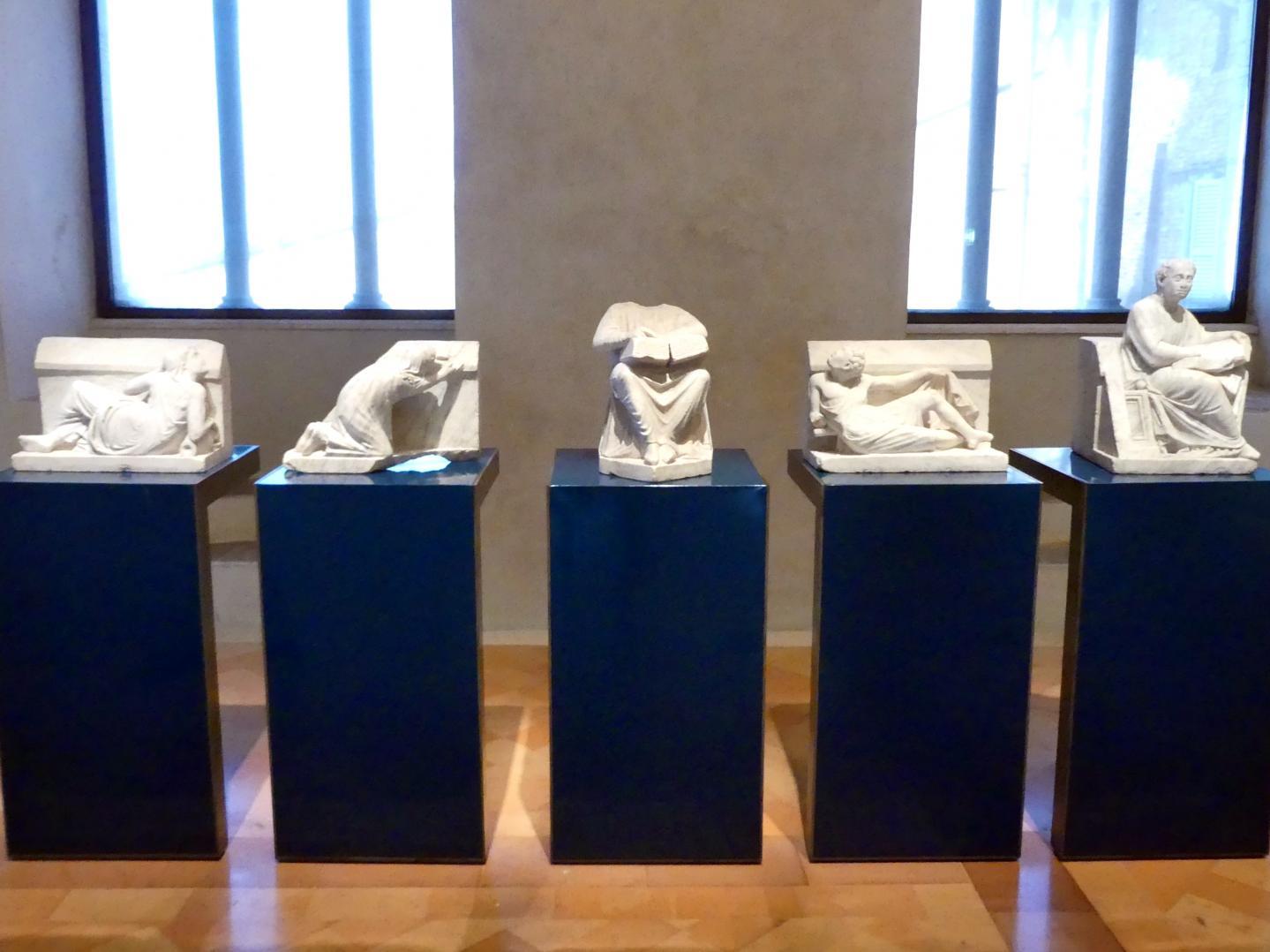 """Arnolfo di Cambio: Skulpturen für den Brunnen """"in pede fori"""", 1278 - 1281"""