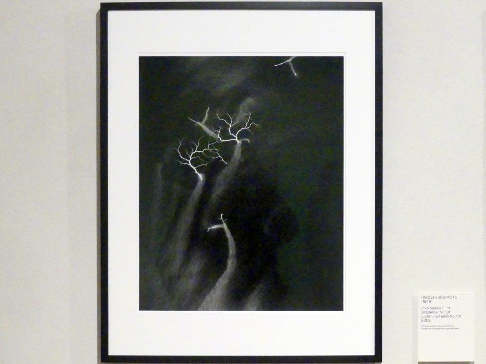 Hiroshi Sugimoto: Blitzfelder Nr. 131, 2009