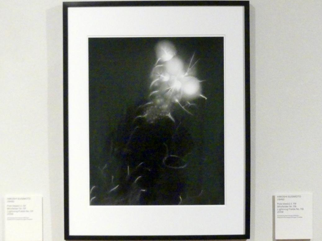 Hiroshi Sugimoto: Blitzfelder Nr. 119, 2009
