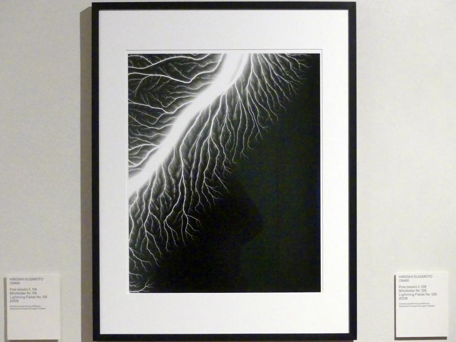 Hiroshi Sugimoto: Blitzfelder Nr. 128, 2009