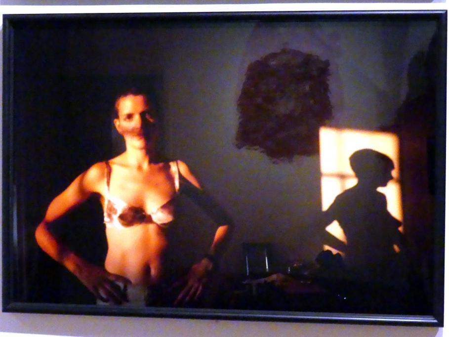 Nan Goldin: Siobhan mit ihrem Schatten, NYC, 1994