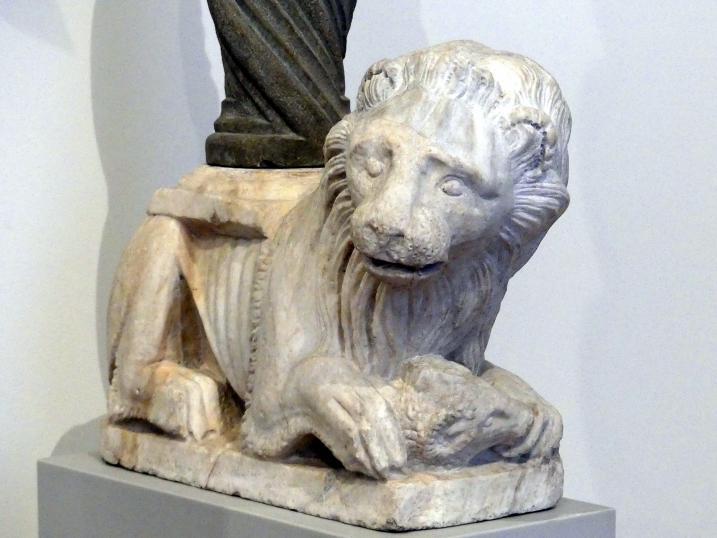 Agnolo di Ventura: Zwei Löwen mit gewundenen Säulen und Knospenkapitellen, 1. Hälfte 14. Jhd.